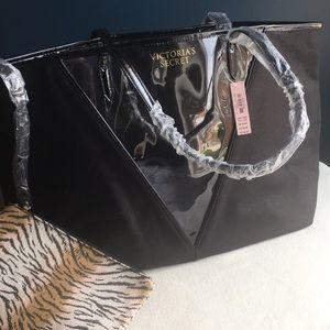 Victoria's Secret Bags - NWT Victoria's Secret tote w/ window, extra pouch
